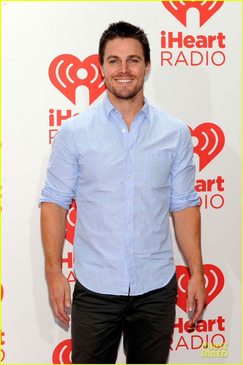 ashley greene stephen amell iheartradio music festival presenters 062956444