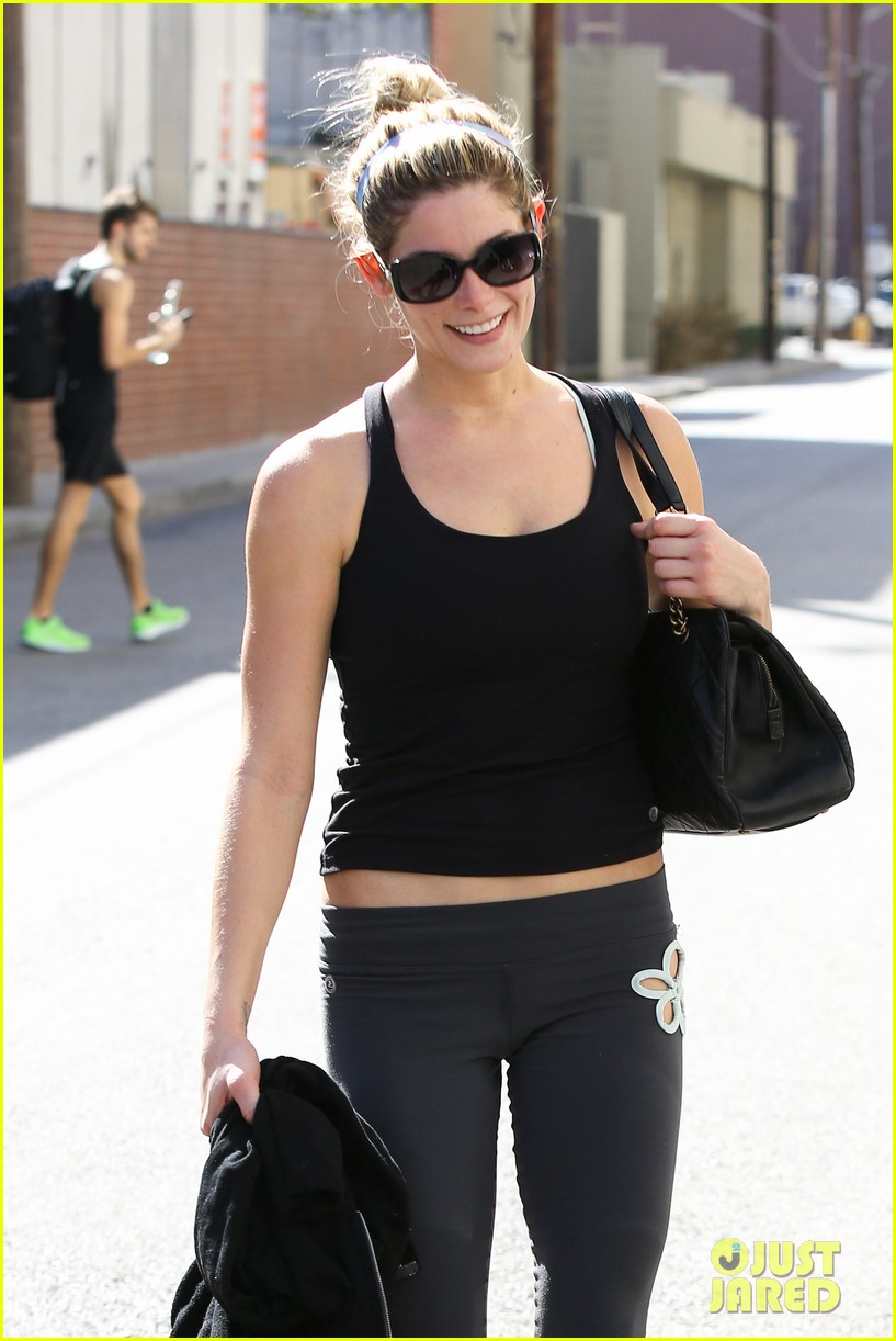 ashley greene to lucy hale it was nice to meet you 022960577