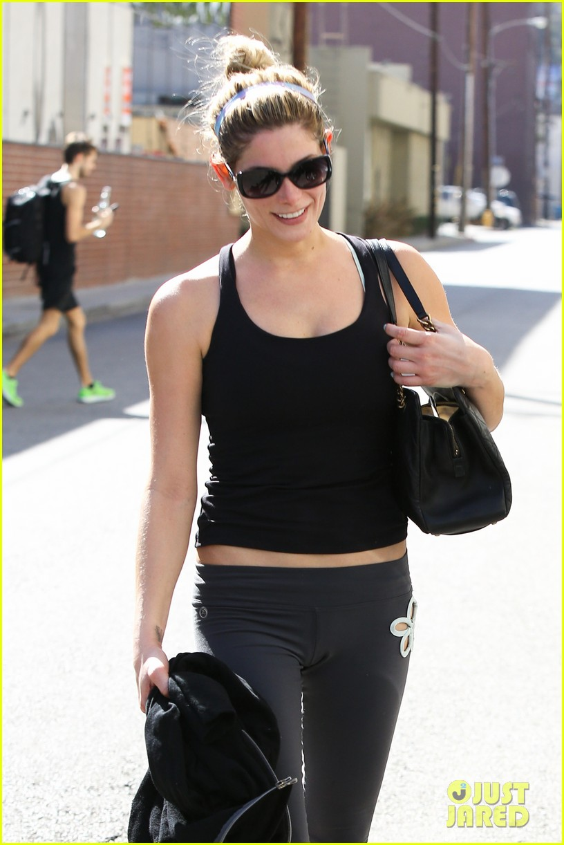 ashley greene to lucy hale it was nice to meet you 042960579