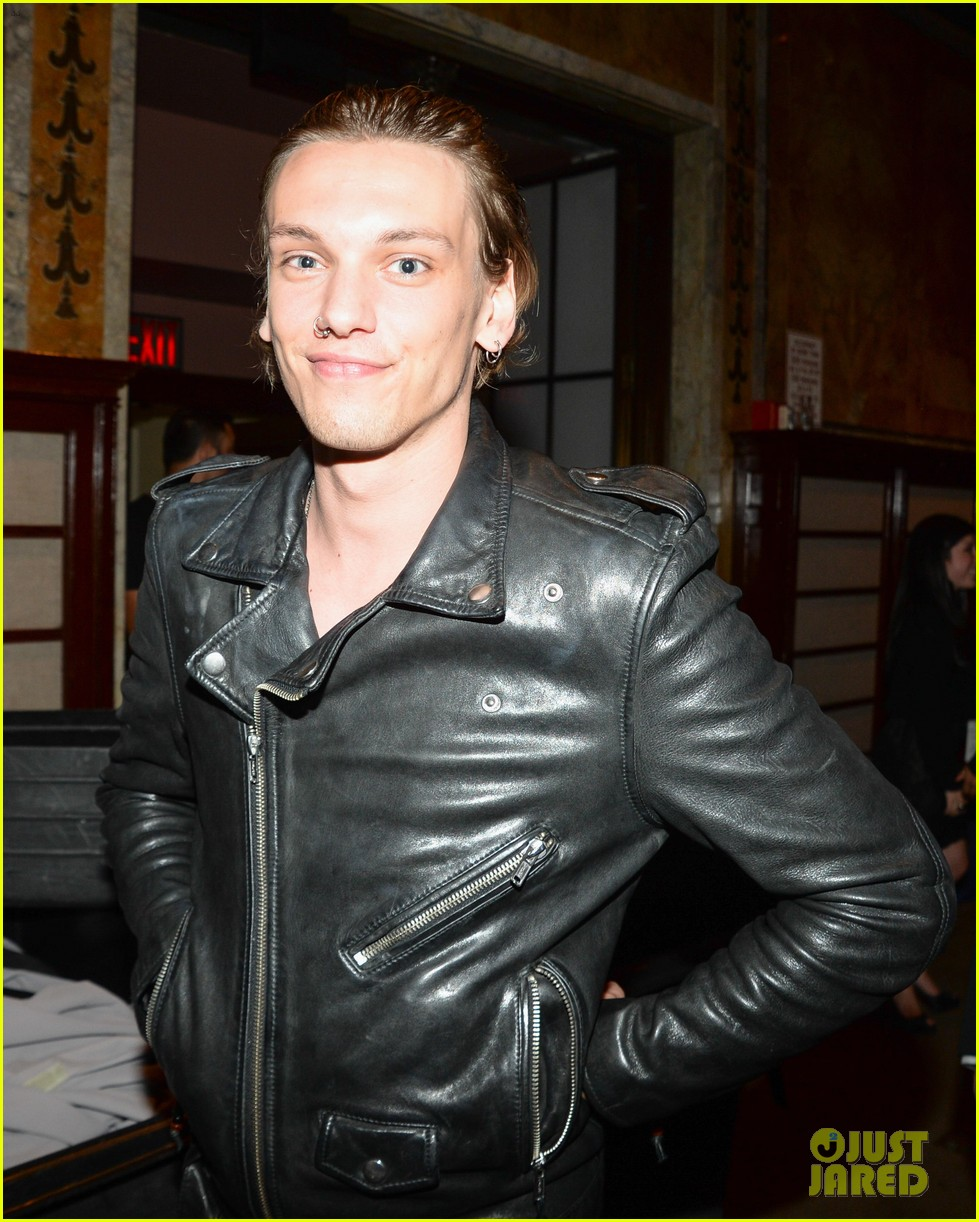 ashley greene jamie campbell bower new york fashion week 02