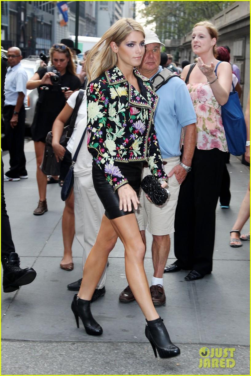 ashley greene jamie campbell bower new york fashion week 132950653