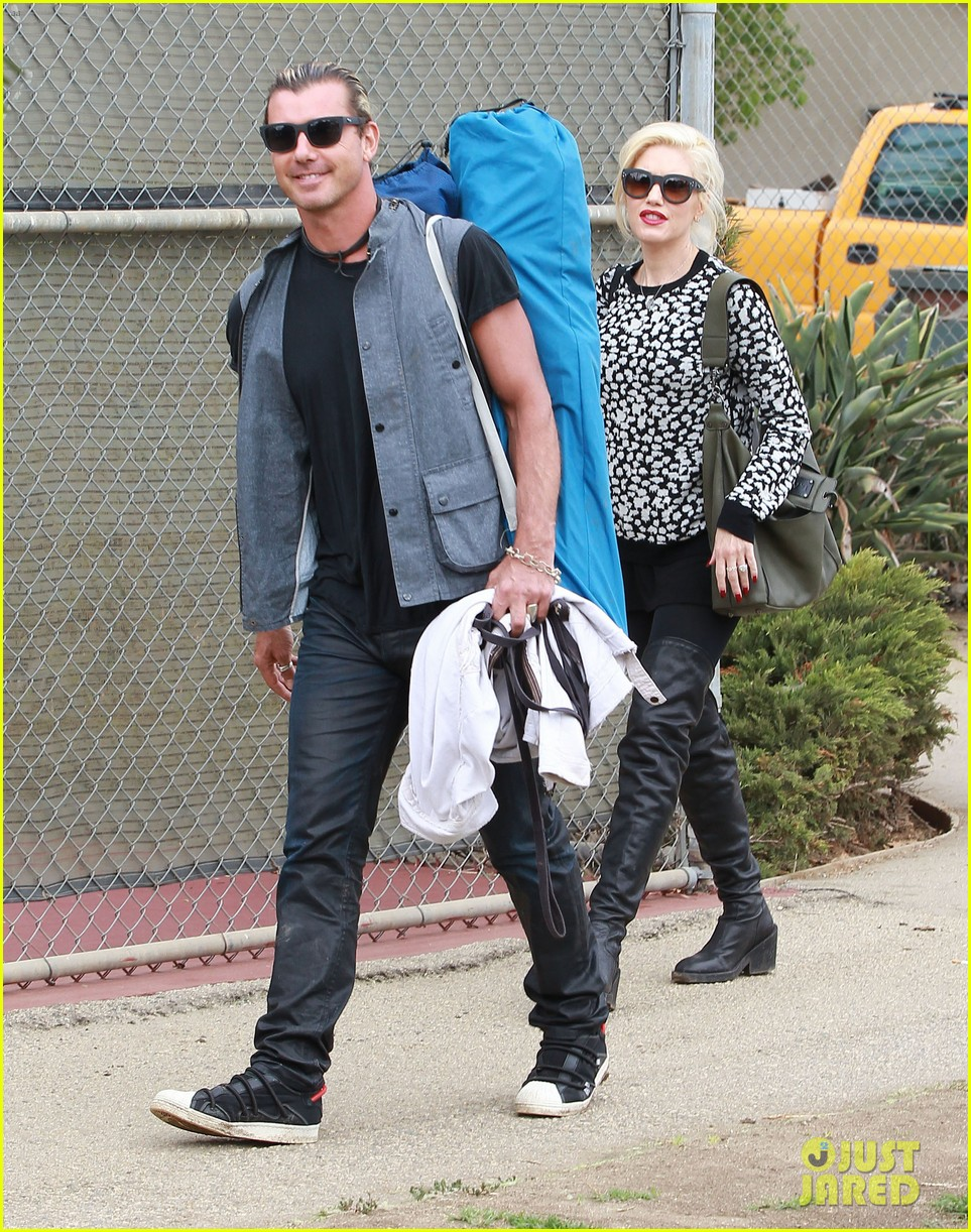 gwen stefani gavin rossdale sit sidelines at kingston soccer game 212957824
