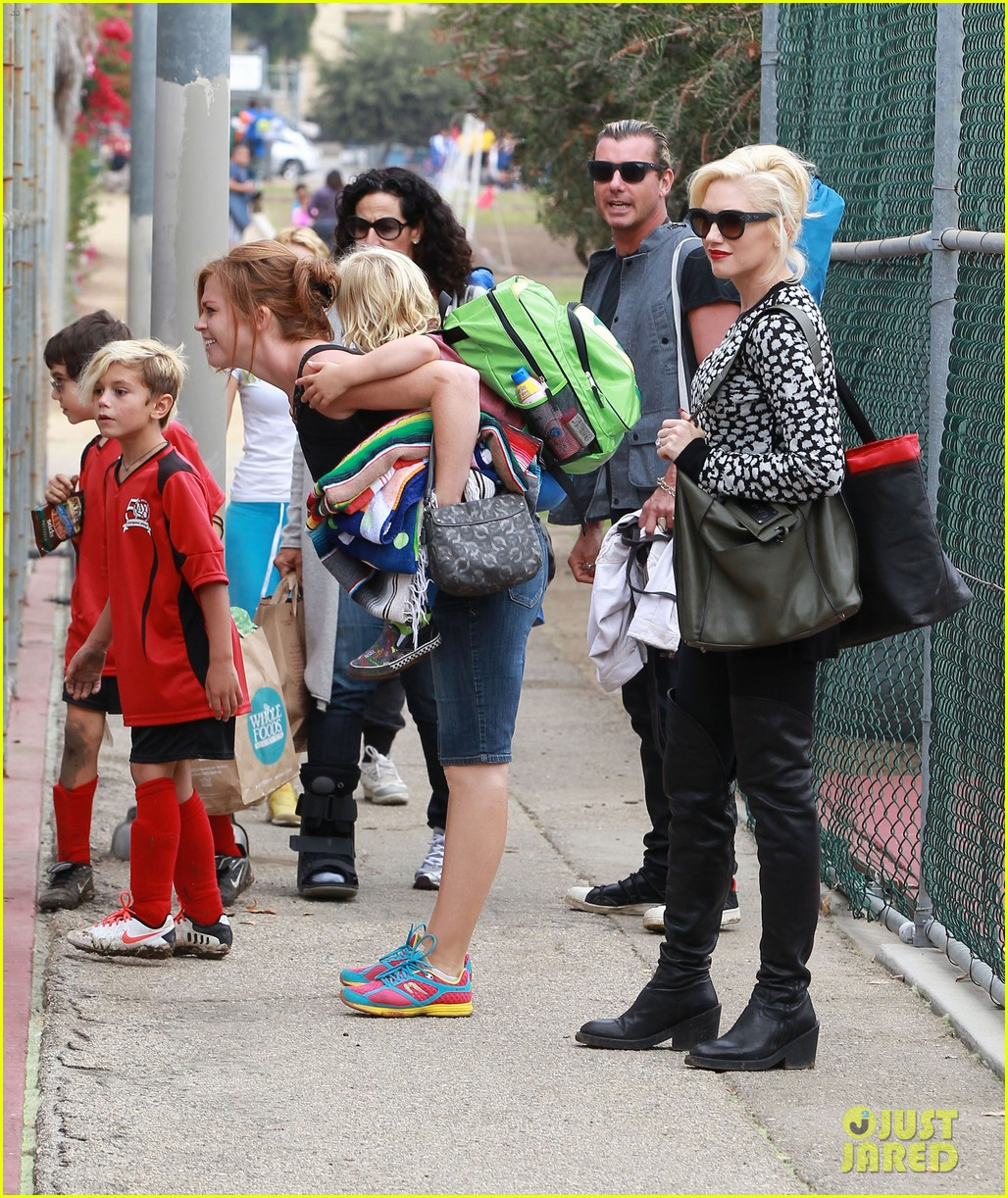 gwen stefani gavin rossdale sit sidelines at kingston soccer game 222957825