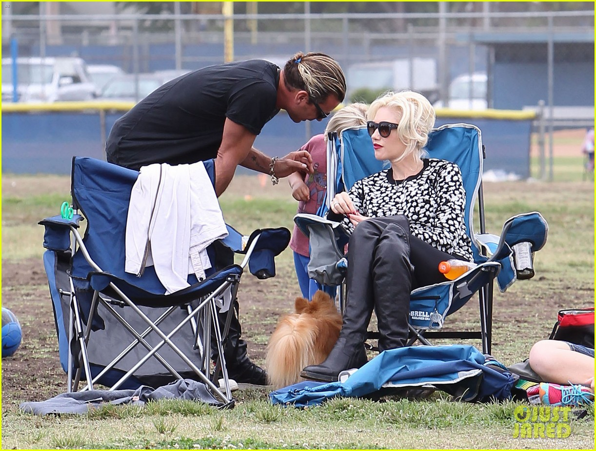 gwen stefani gavin rossdale sit sidelines at kingston soccer game 262957829