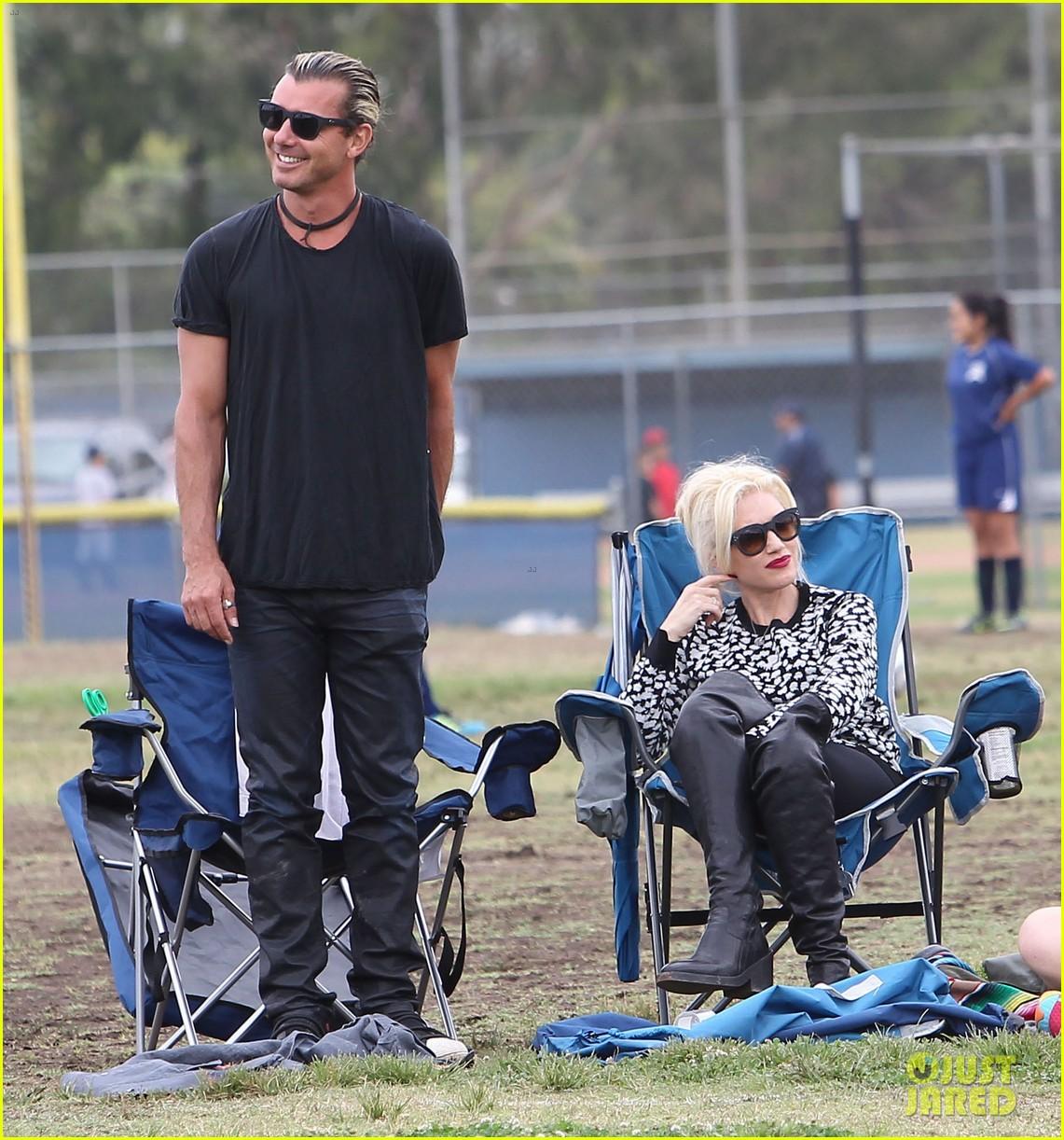 gwen stefani gavin rossdale sit sidelines at kingston soccer game 292957832