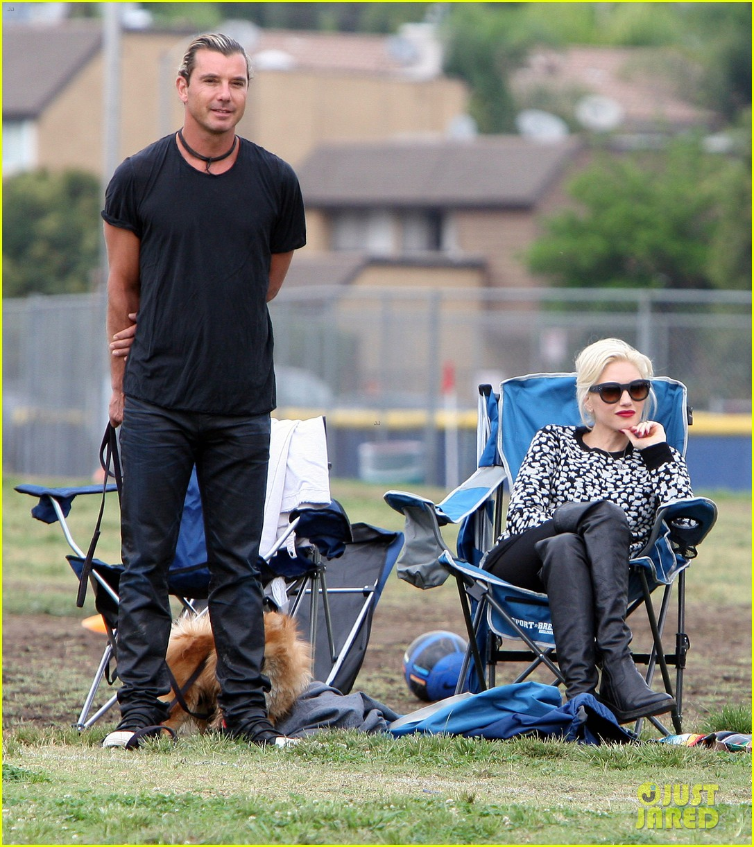 gwen stefani gavin rossdale sit sidelines at kingston soccer game 342957837