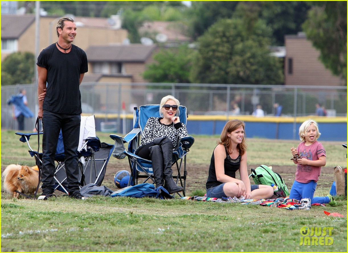 gwen stefani gavin rossdale sit sidelines at kingston soccer game 352957838