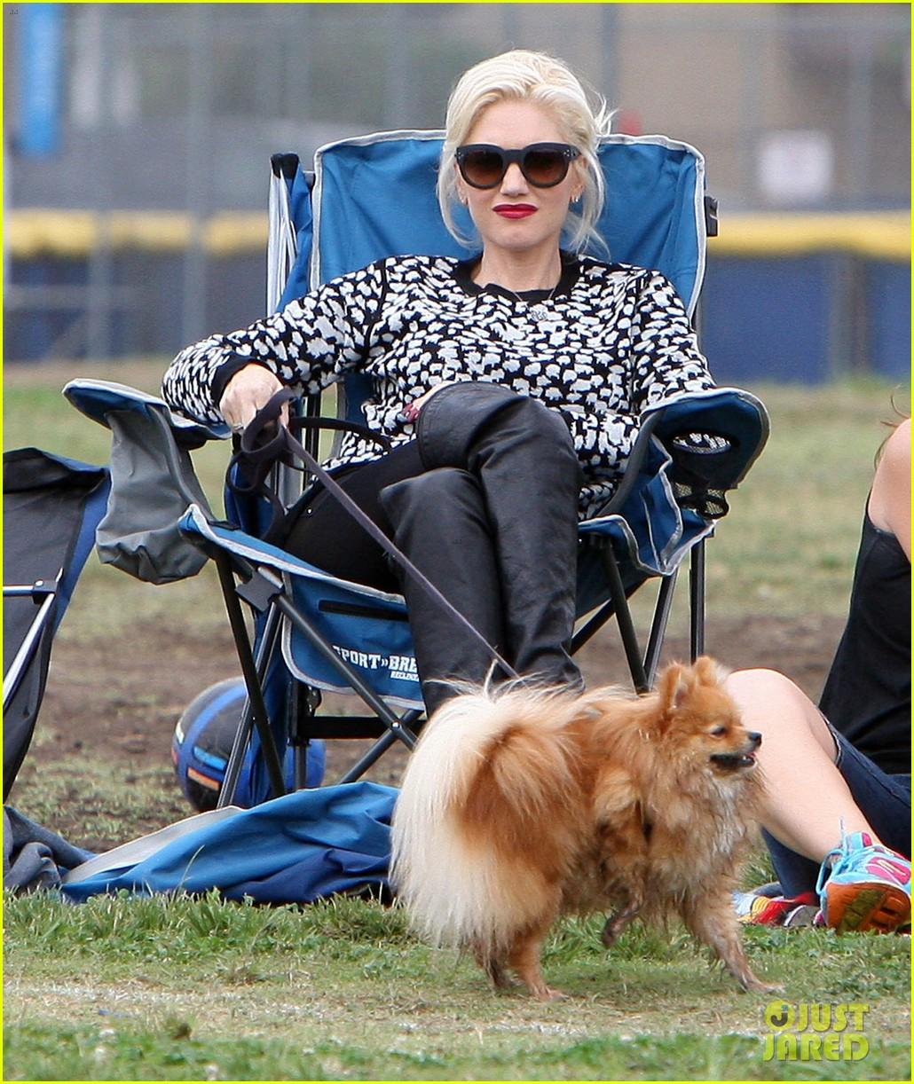 gwen stefani gavin rossdale sit sidelines at kingston soccer game 362957839