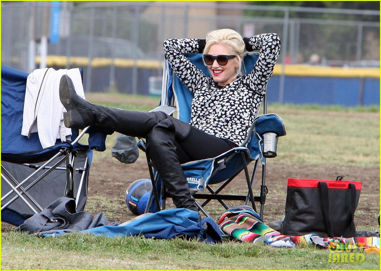 gwen stefani gavin rossdale sit sidelines at kingston soccer game 422957845