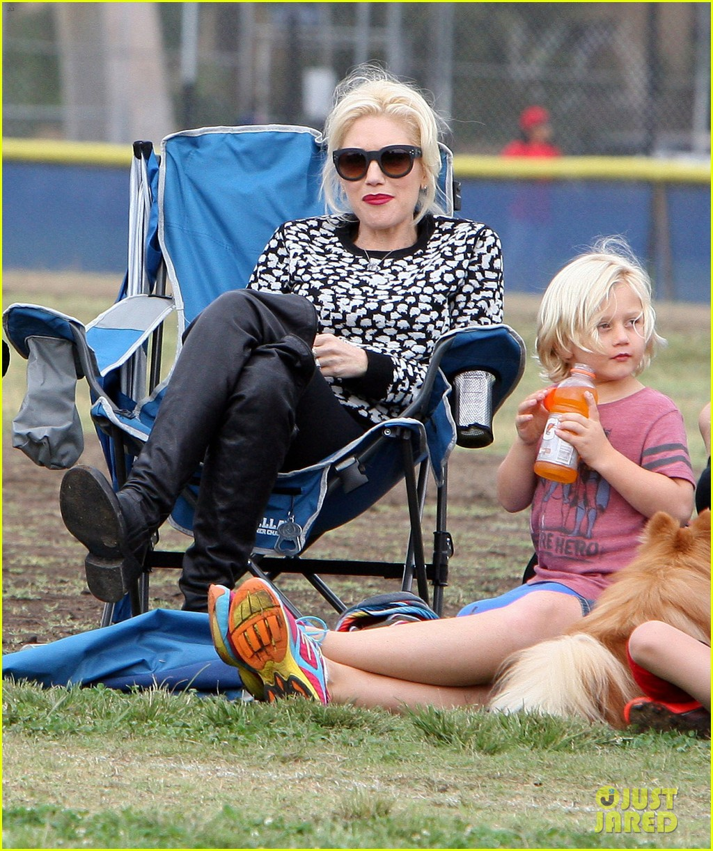 gwen stefani gavin rossdale sit sidelines at kingston soccer game 442957847