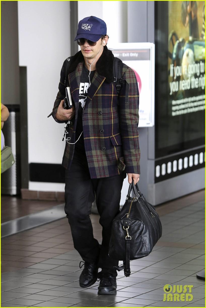 jake gyllenhaal james franco land in los angeles after tiff 052948330