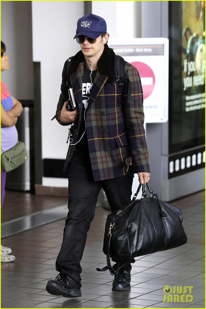 jake gyllenhaal james franco land in los angeles after tiff 062948331