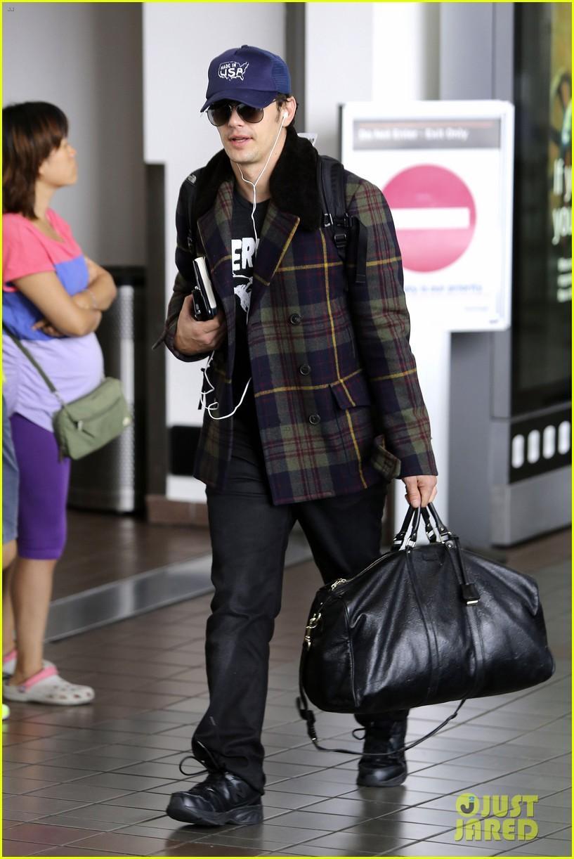 jake gyllenhaal james franco land in los angeles after tiff 082948333