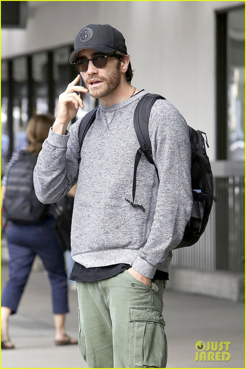 jake gyllenhaal james franco land in los angeles after tiff 122948337