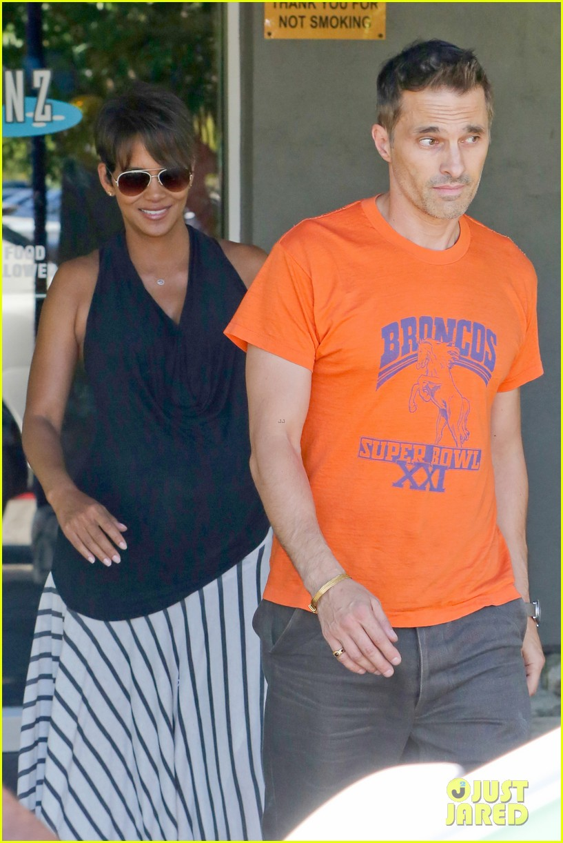 halle berry olivier martinez pinz bowling party with nahla 052962941