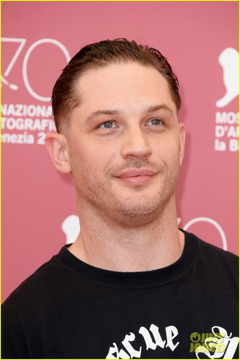tom hardy locke photo call at venice film festival 11
