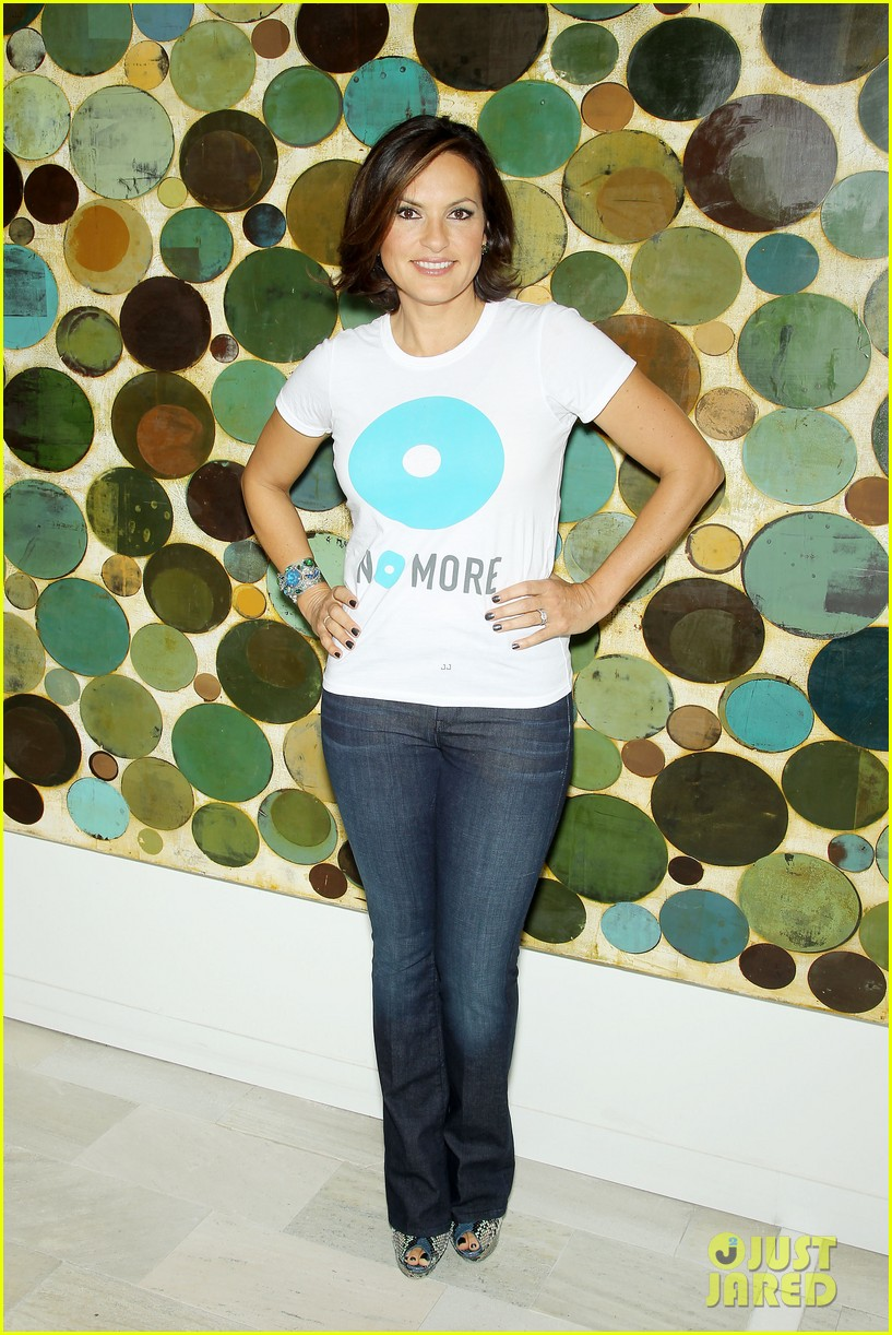 mariska hargitay says no more to domestic violence 012960010