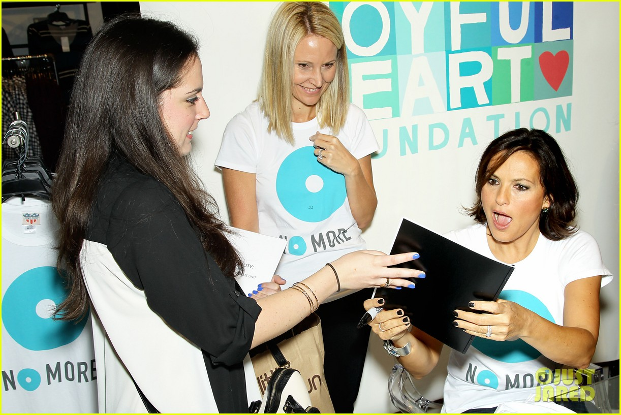 mariska hargitay says no more to domestic violence 182960027