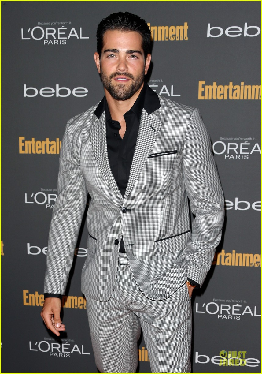 kit harington jesse metcalfe ew pre emmy party 092956702