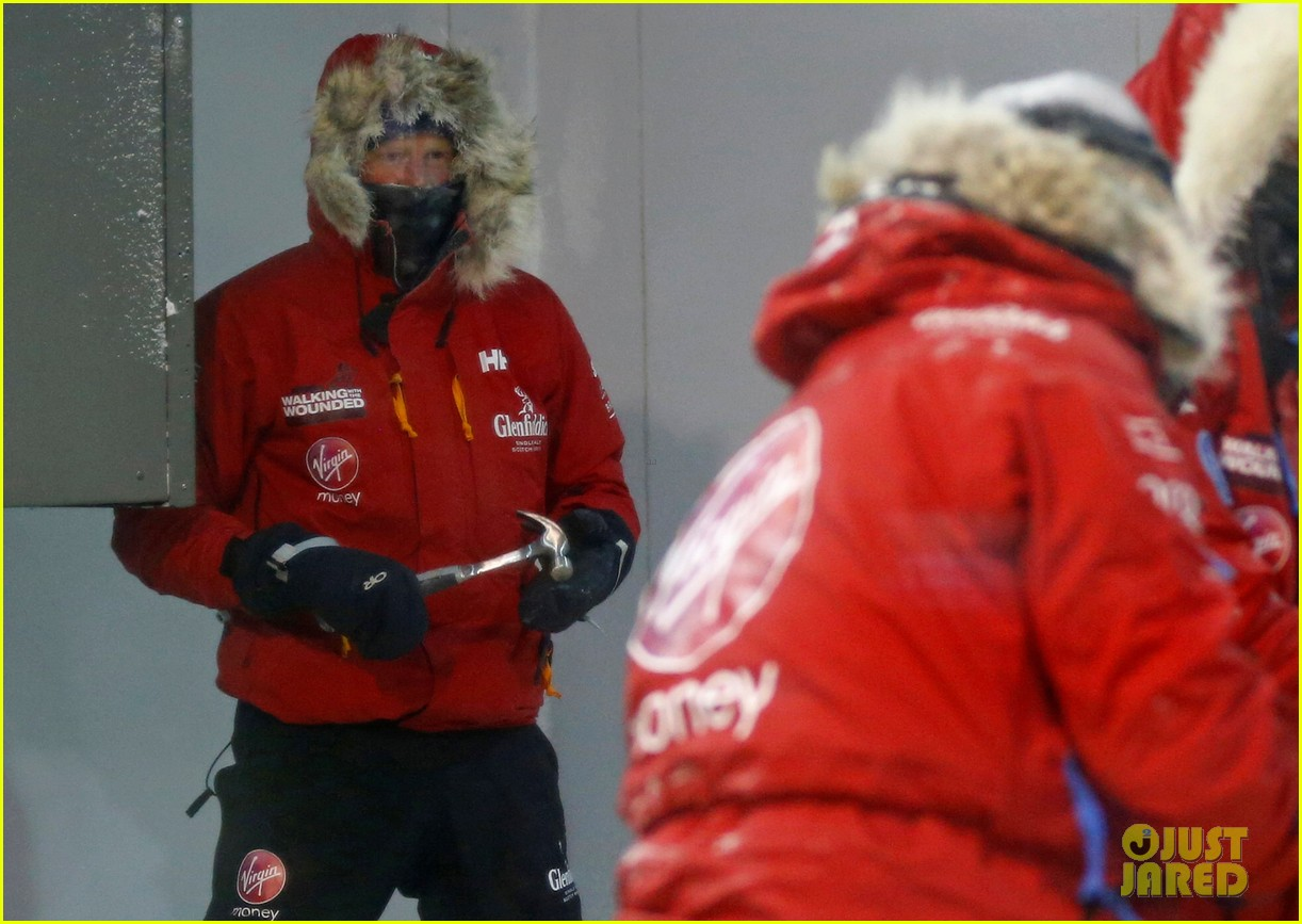 prince harry preps for south pole trip by freezing himself 012954183
