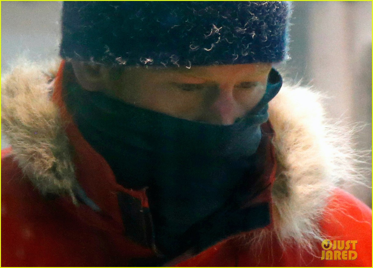 prince harry preps for south pole trip by freezing himself 102954192