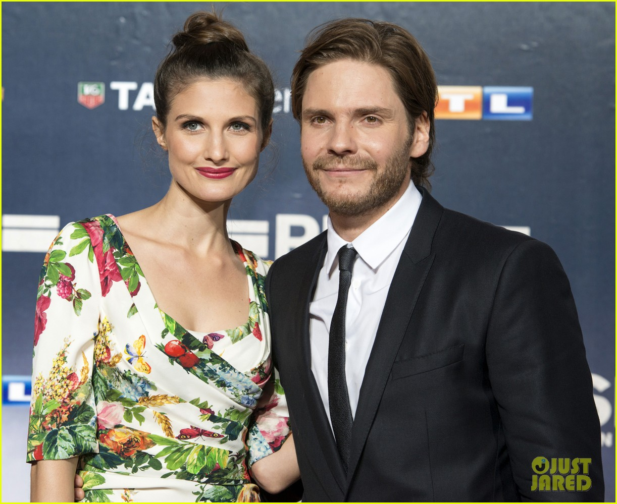 chris hemsworth daniel bruhl rush germany premiere 082962272