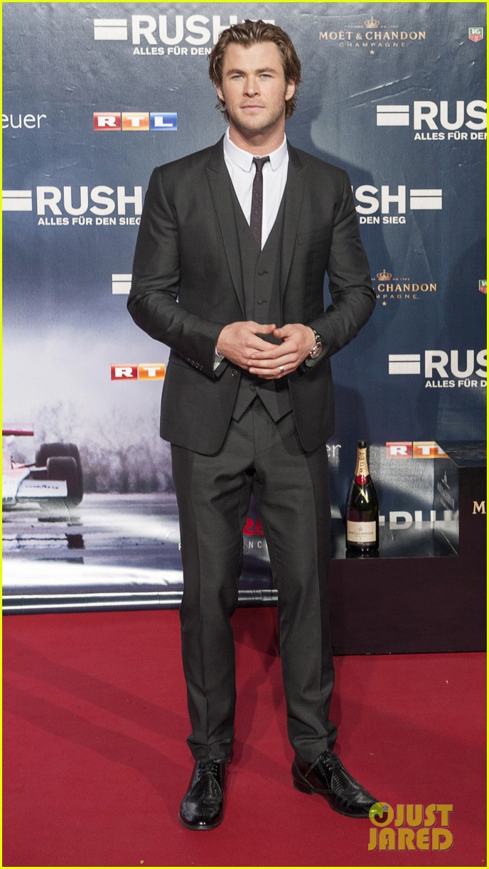 chris hemsworth daniel bruhl rush germany premiere 102962274