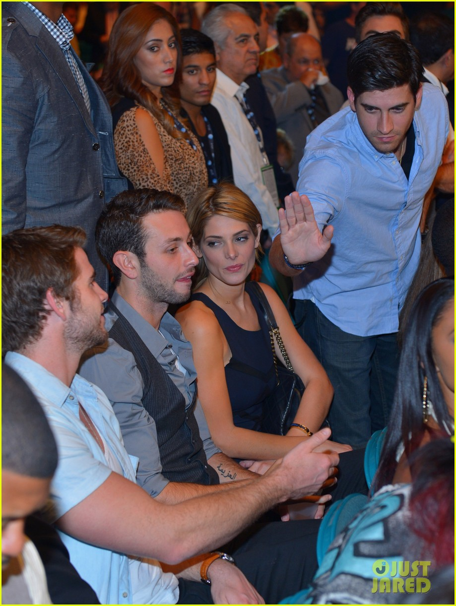 liam hemsworth hung out with ashley greene amid split 042953614