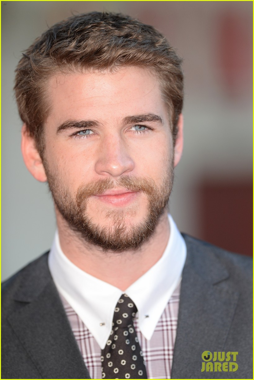 liam hemsworth supports brother chris at rush premiere 012942525