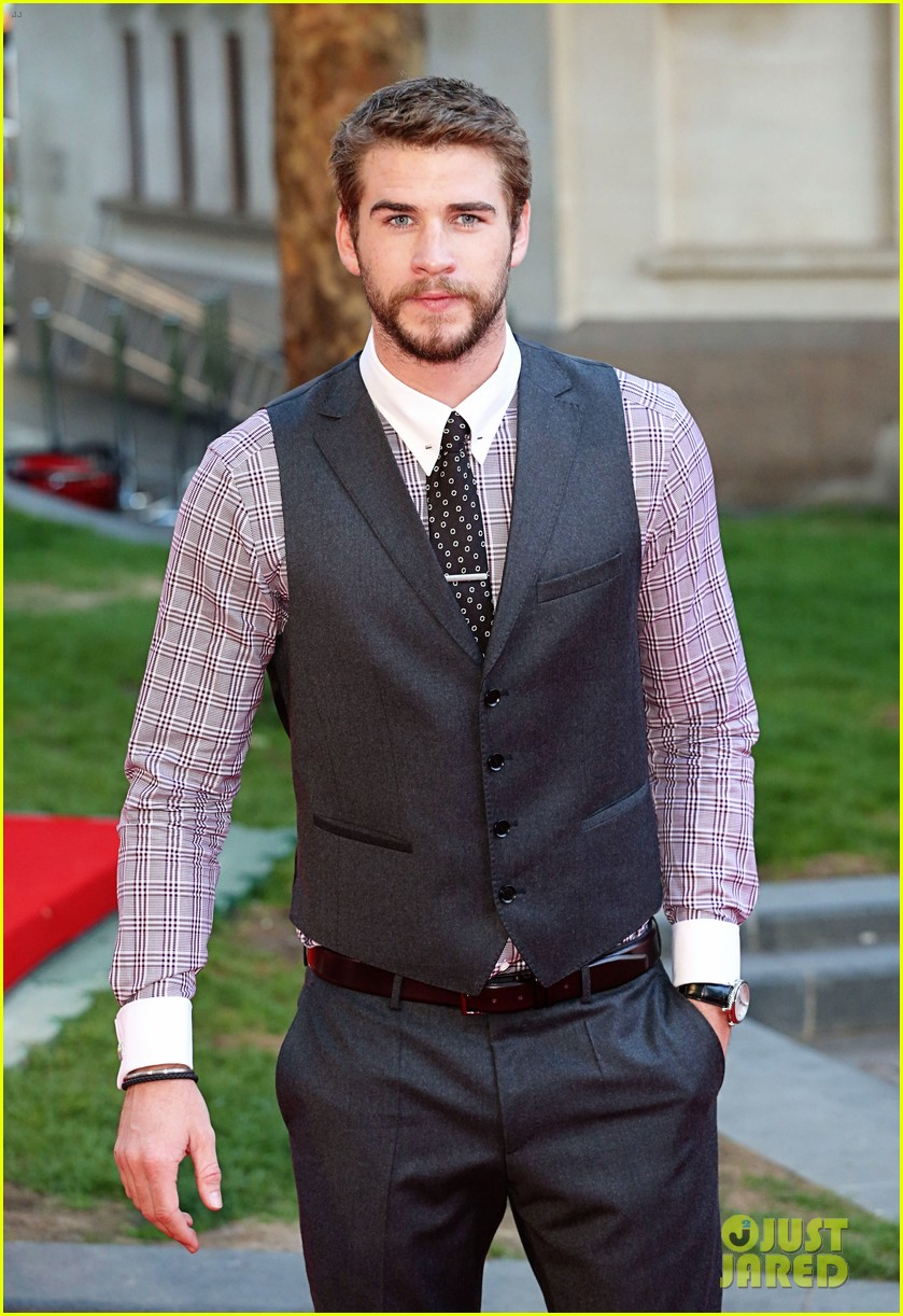 liam hemsworth supports brother chris at rush premiere 032942527