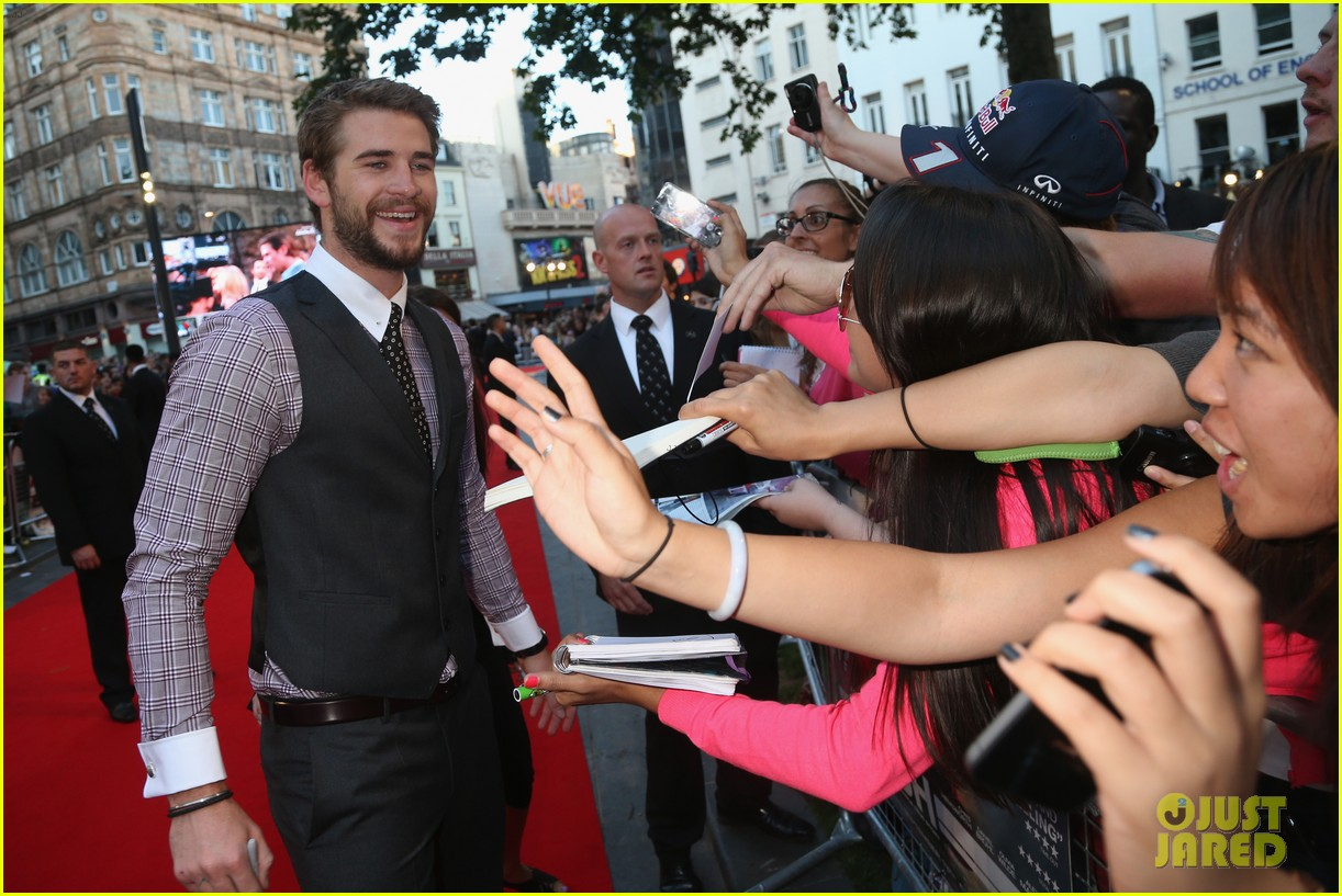 liam hemsworth supports brother chris at rush premiere 102942534