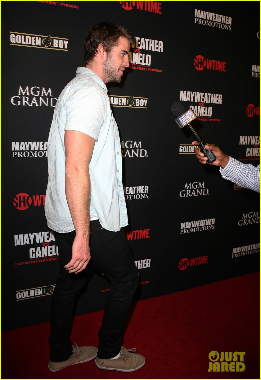 liam hemsworth attends mayweather vs alvarez fight 082952664