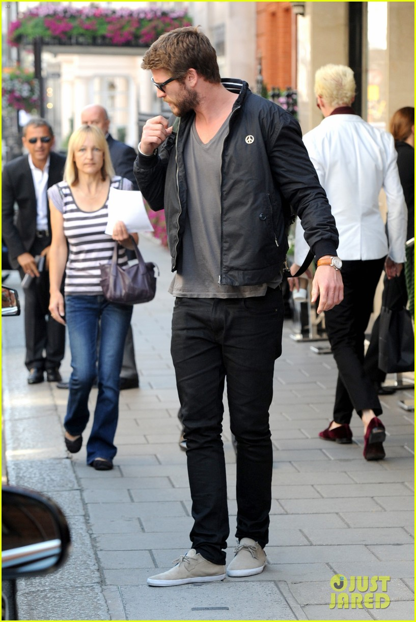 liam hemsworth steps out in london miley cyrus records in l a 012944434