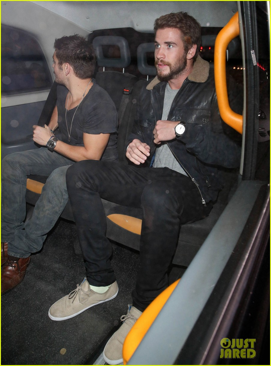 liam hemsworth reunites with brother chris in london 062941652