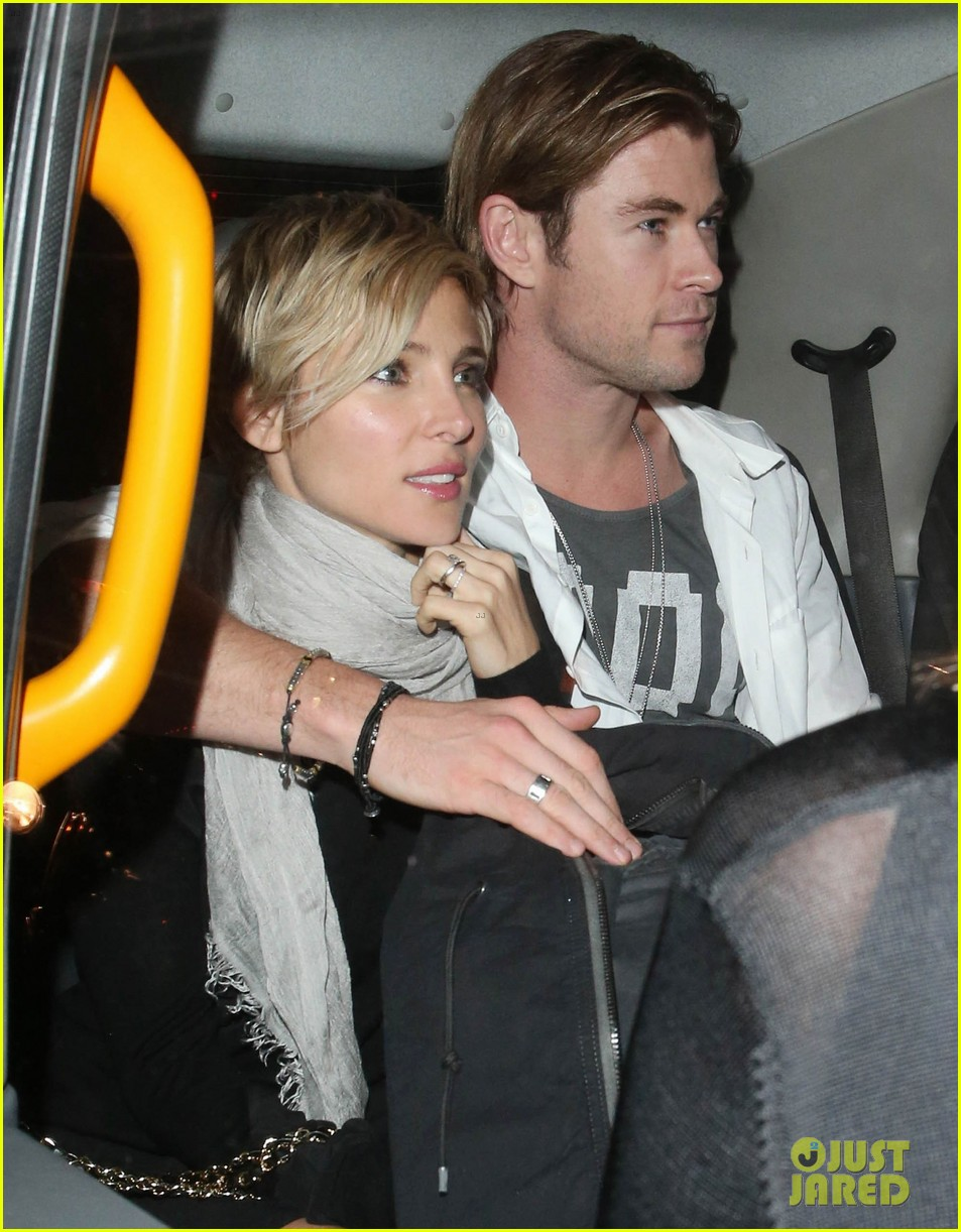 liam hemsworth reunites with brother chris in london 112941657