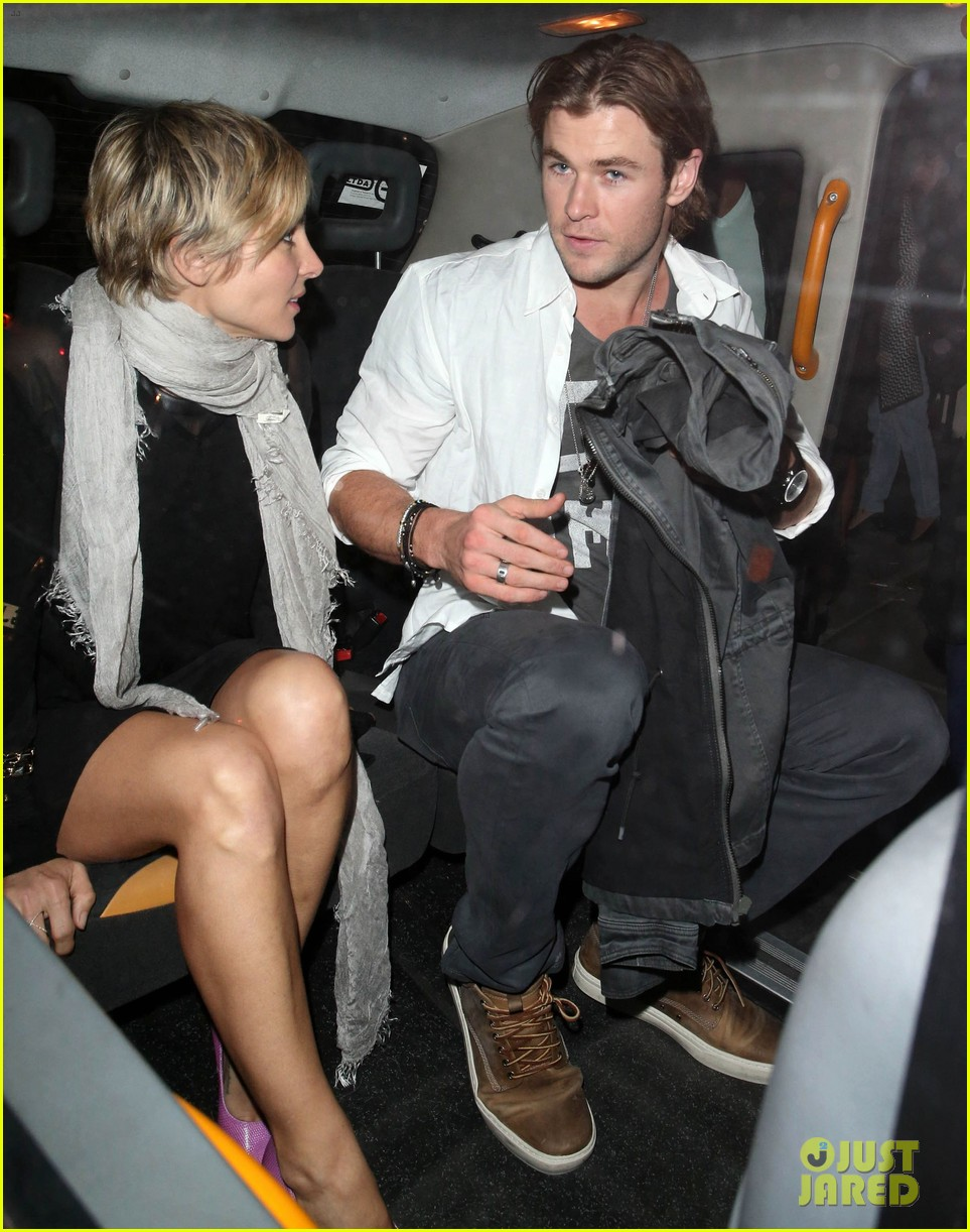 liam hemsworth reunites with brother chris in london 15