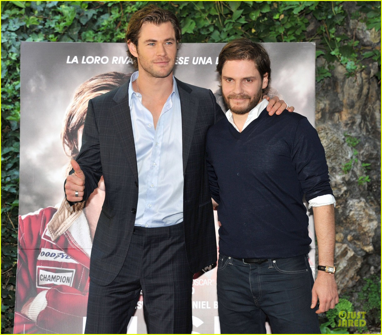 chris hemsworth daniel bruhl rush photo call in rome 022951957