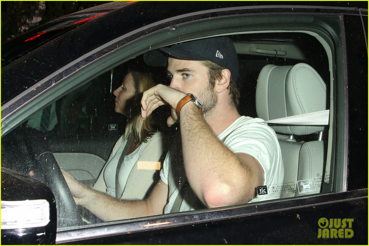 liam hemsworth steps out after miley cyrus split 042954174