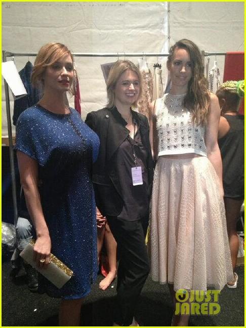 christina hendricks louise roe jenny packham fashion show 052949791