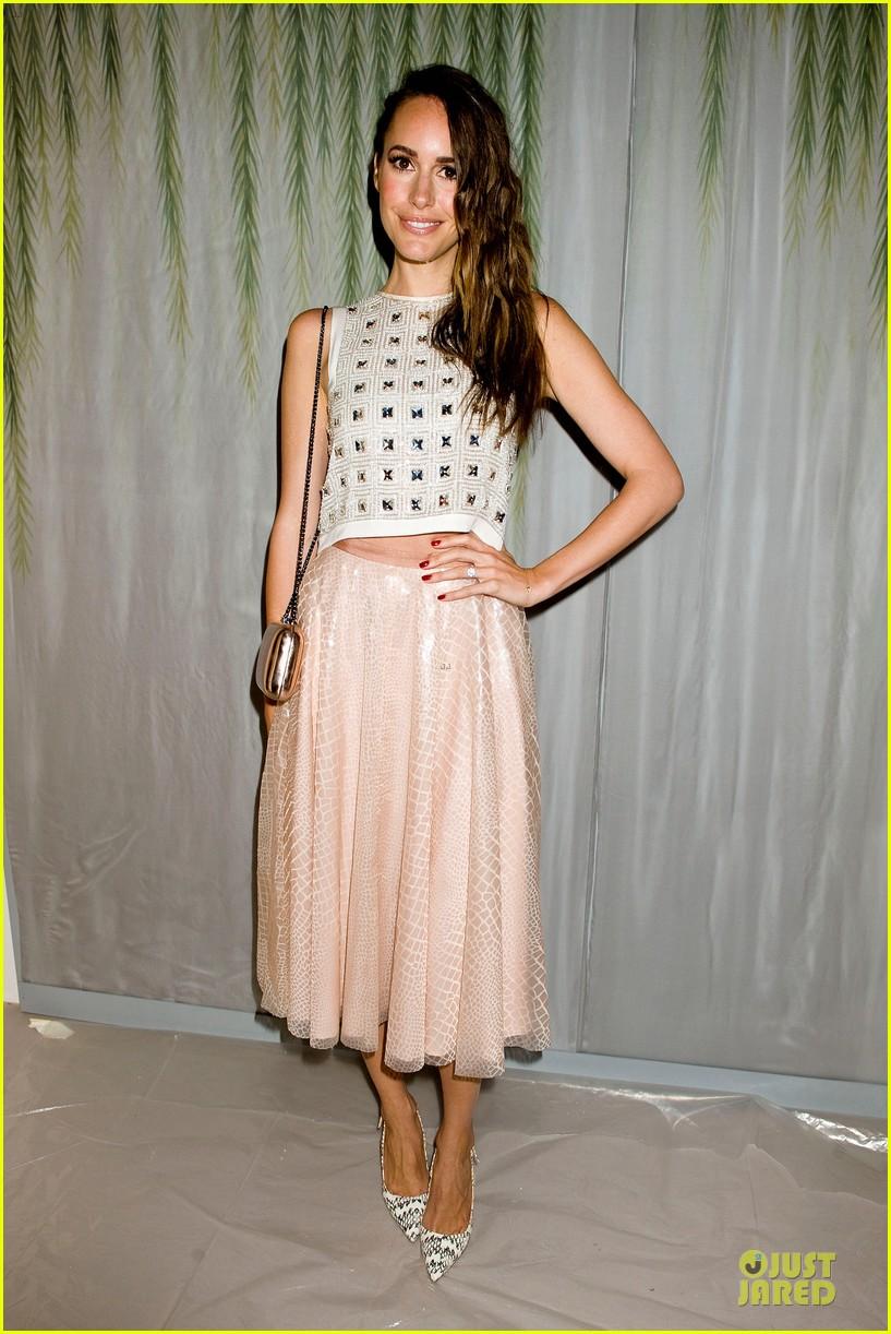 christina hendricks louise roe jenny packham fashion show 092949795