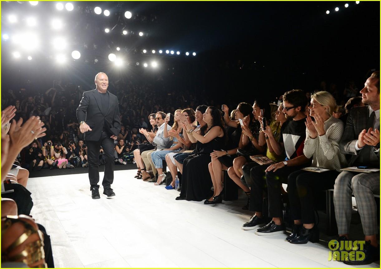 katie holmes michael kors fashion show with kate mara 032950071