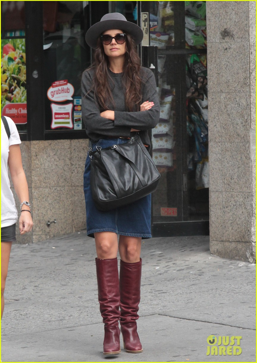 katie holmes likes to make mac and cheese 072960683