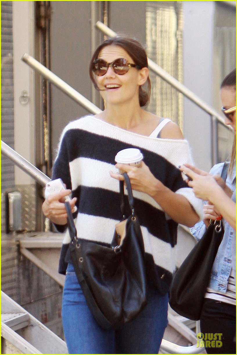 katie holmes shows stripes after nyfw 022954269