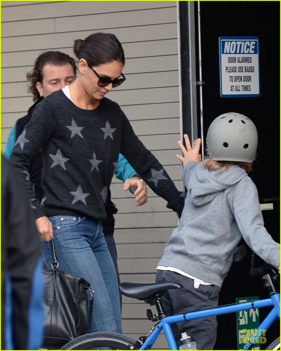 katie holmes wears two outfits to wrap up week 072961201