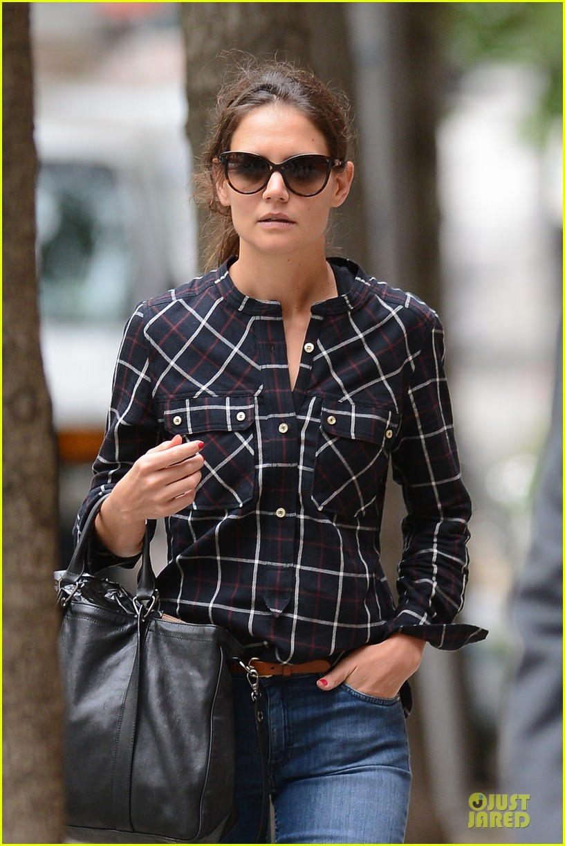 katie holmes wears two outfits to wrap up week 162961210