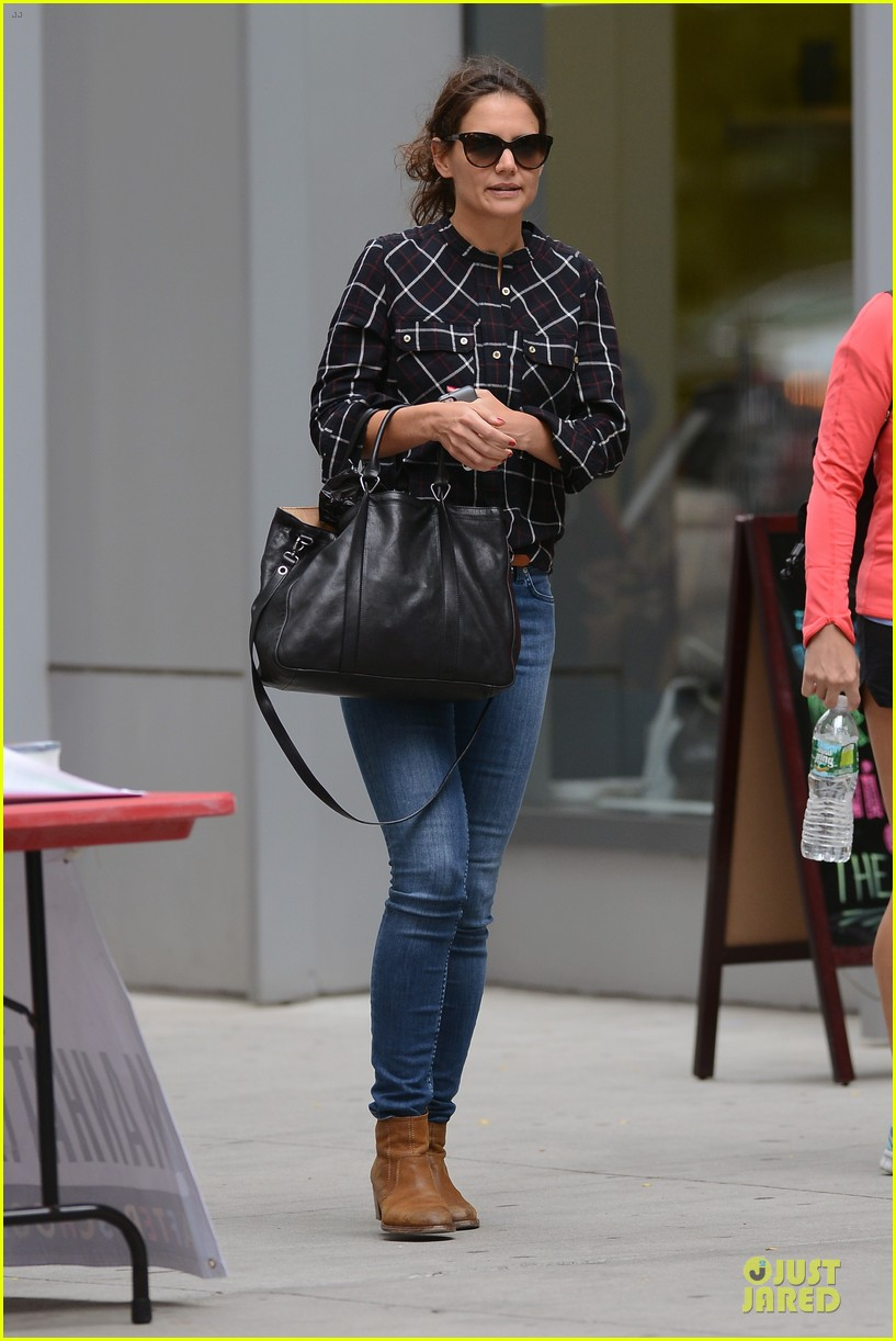 katie holmes wears two outfits to wrap up week 172961211