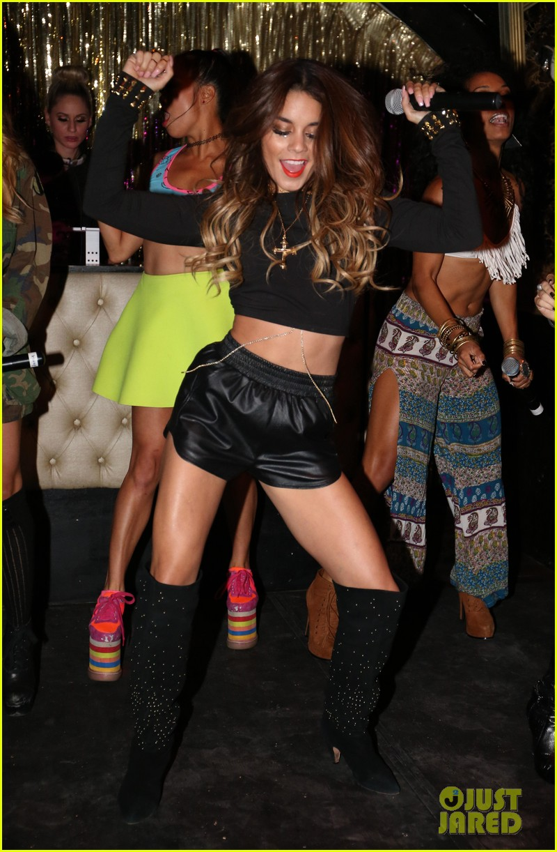 vanessa hudgens bootsy bellows performance with yla 032959667
