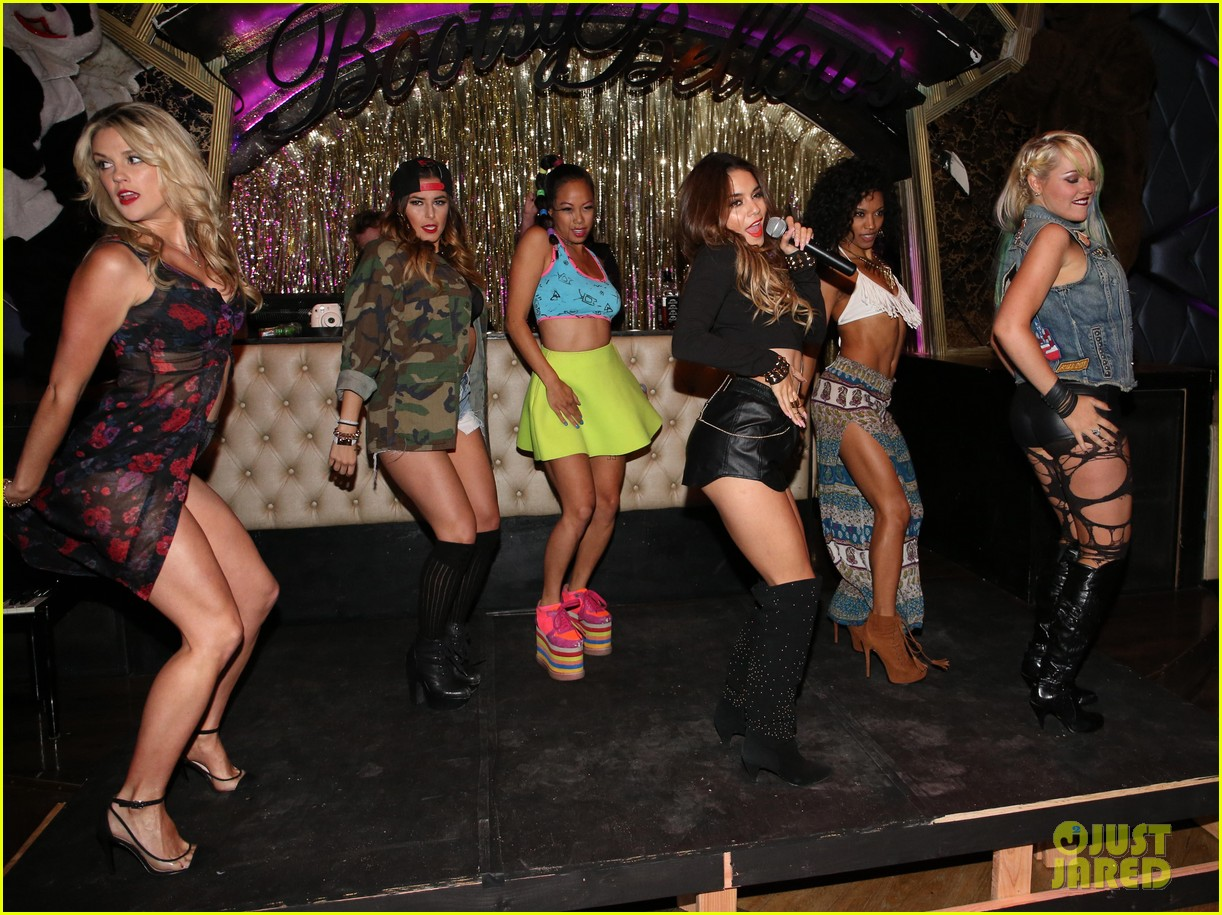 vanessa hudgens bootsy bellows performance with yla 12