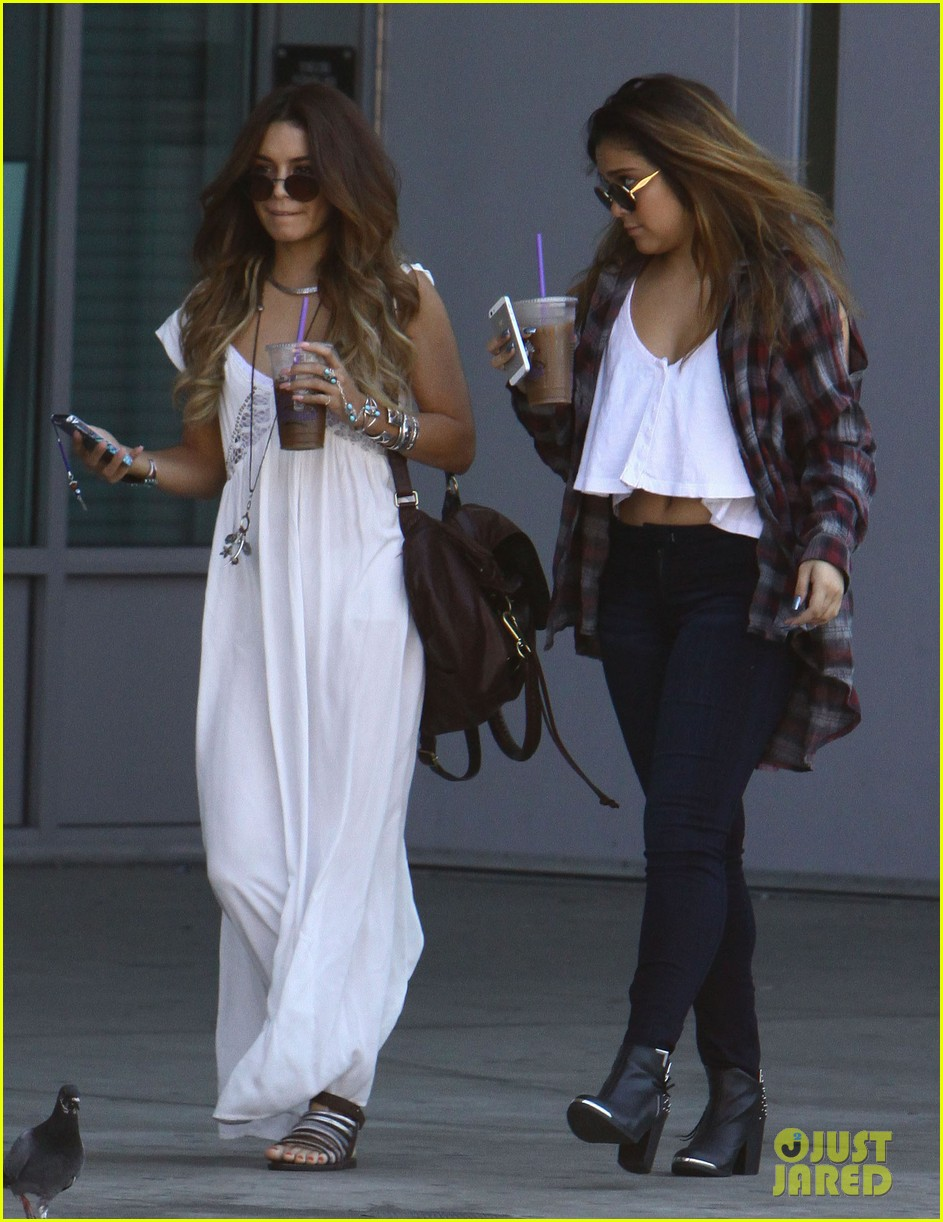 vanessa hudgens spends sunday with stella 122953179