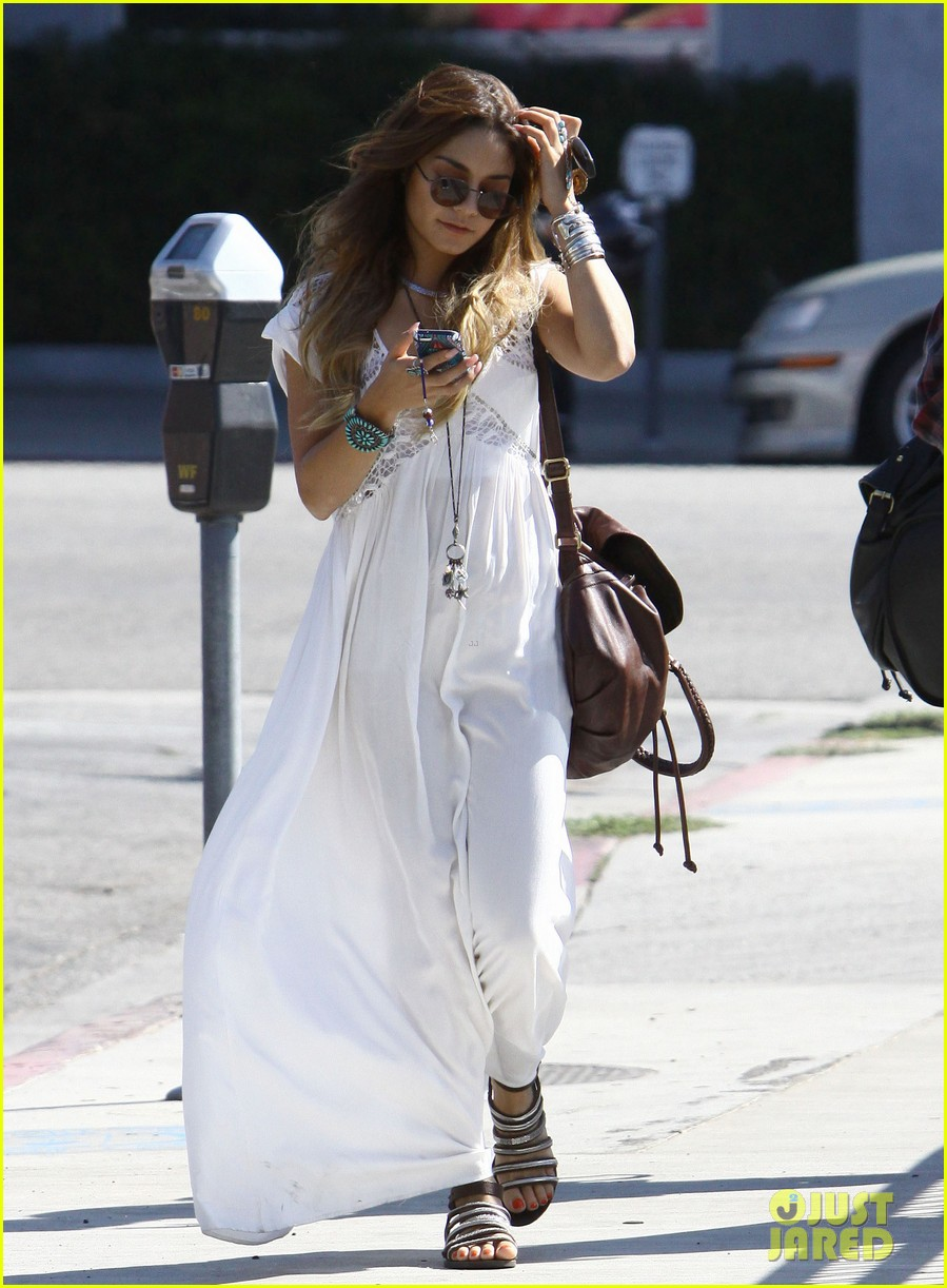 vanessa hudgens spends sunday with stella 252953192